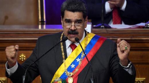 """Venezolaanse president Maduro: Venezuela en Colombia moeten banden """"normaliseren"""""""