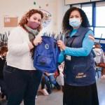 Entrega de kits escolares en Elche