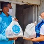 Entrega de mercados a familias en Turbaco