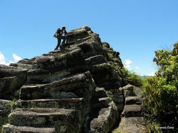 Верхом к пирамиде и подземельям Сан Франсиско