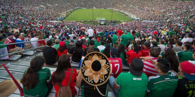 Action photo during the Match Mexico vs United States, at Rose Bowl Stadium, CONCACAF Cup 2015. Foto de accion durante el Partido Mexico vs Estados Unidos en el Estadio Rose Bowl, Partido Correspondiente a la Copa CONCACAF 2015, Por el pase a Copa Confederaciones 2017, en la foto: Rose Bowl 10/10/2015/ MEXSPORT/ David Leah.