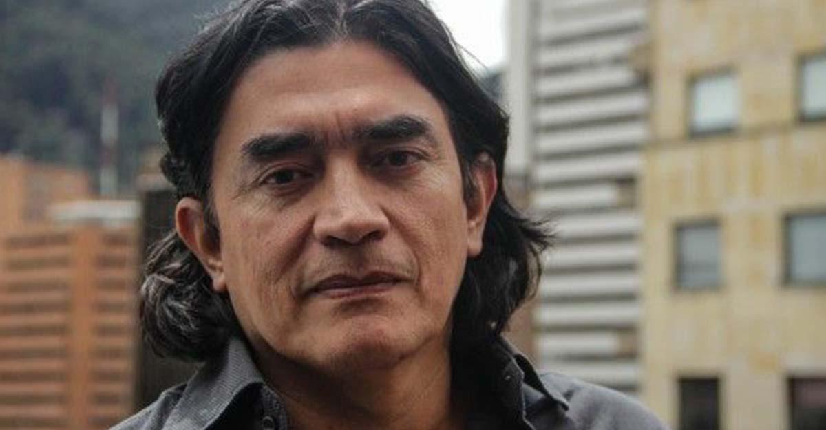 """Farc regresan al monte por culpa de Uribe"": polémico tuit de Gustavo Bolívar"