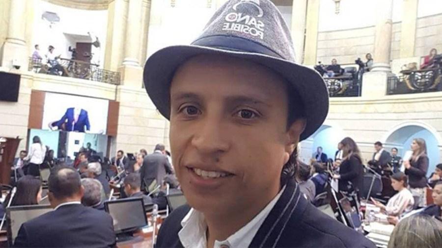 jhonatan tamayo manguito lista decentes petro senador