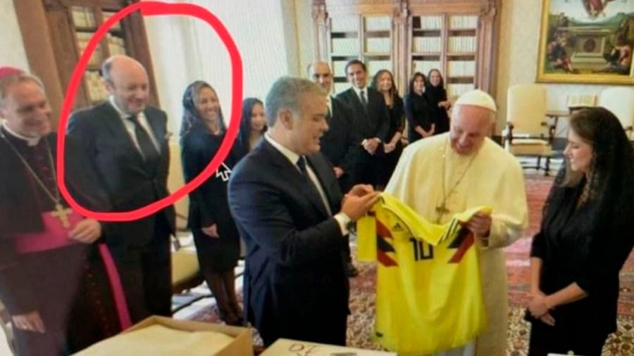 julio sanchez cristo papa duque