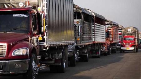 camionero camiones colombia paro gasolina peaje