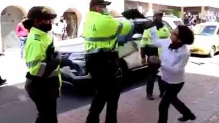 bogota mujer policia