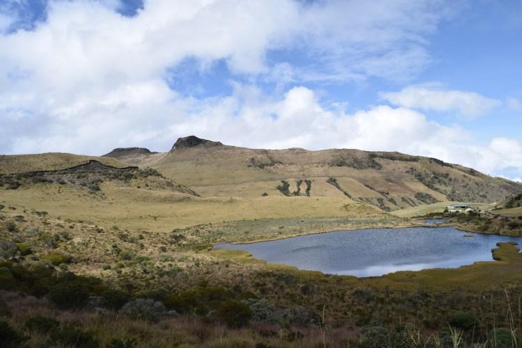 Excursion-lagoon-del-otun-colombia-coffee-axis