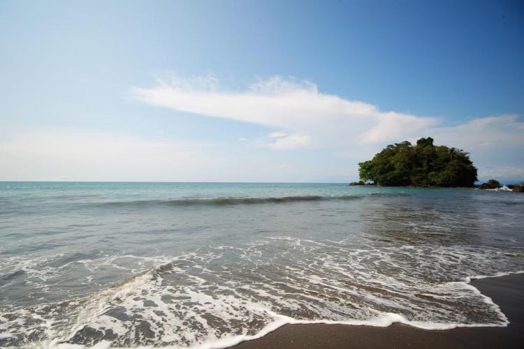 Beaches - Nuqui Choco - Colombian Pacific - Tourist Plans - ColombiaTours