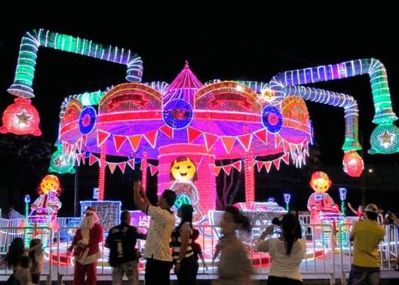 Tour de Luces Medellín - Alumbrado Navideño - Colombia - Plan Turístico Planes de Navidad en Colombia