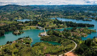 Guatape - Piedra del Peñol - Antioquia - Colombia Planes de Viaje