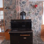 split feildstone random fireplace indoor