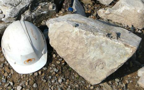 weatheredge limestone small 1-2 man