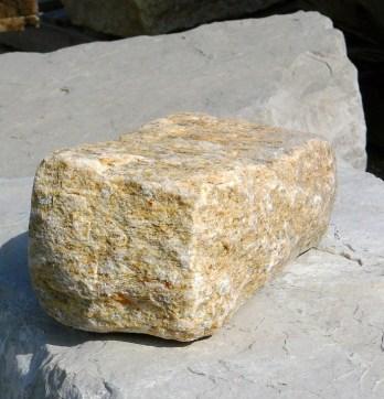 yellow granite regular cobble
