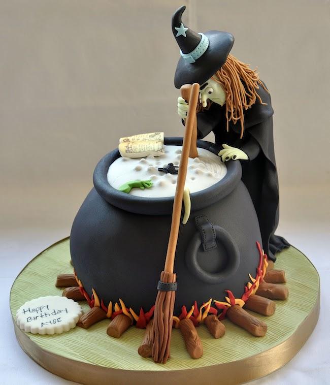8 Spooky-sweet Halloween Cake Ideas