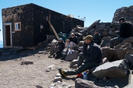 We spent the afternoon relaxing on the rocks around camp muir