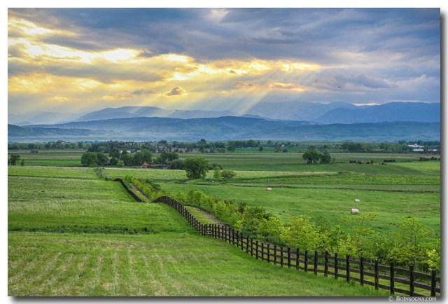 Colorado Country Fence to the Rockies Art Print