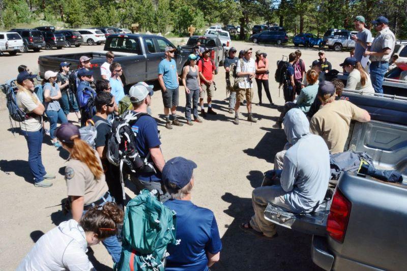 volunteers prepare to head up the Brown's Creek trail