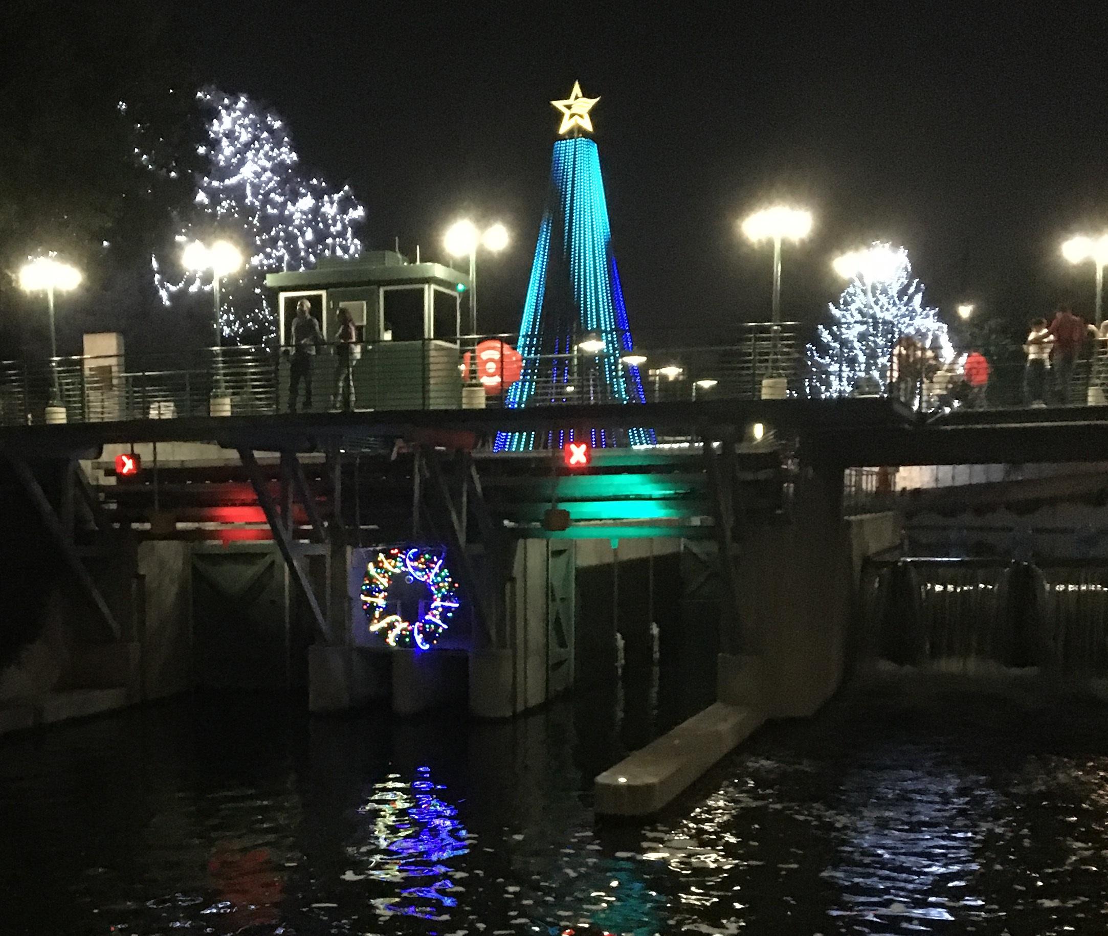 Do You Wanna See Some Christmas Lights?