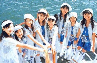 Berryz Koubou (Berryz工房) –  Let's Spice It Up! (ピリリと行こう!)