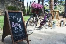 colores-de-boda-rincon-bienvenida-pizarra-bicicleta
