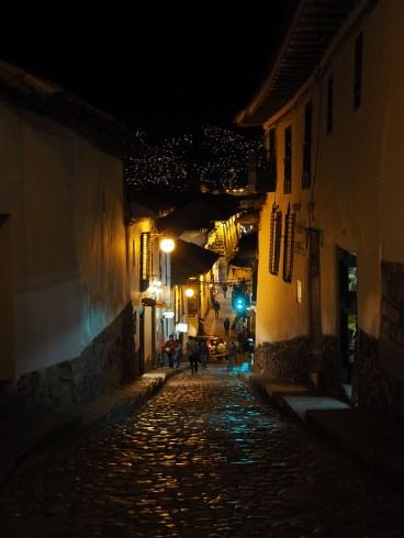 Die Gassen sind steil in Cusco