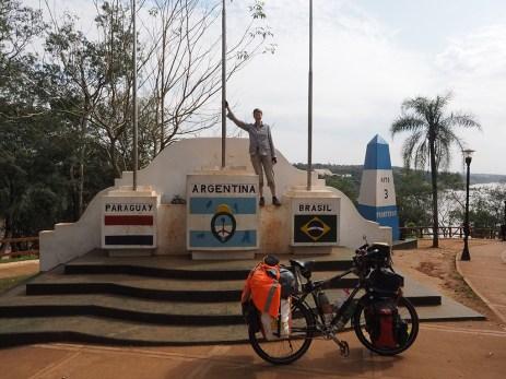 Beim Dreiländereck Argentinien – Paraguay – Brasilien
