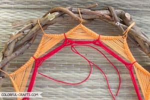 How to make a sun dreamcatcher / DIY Tutorial colorful-crafts.com