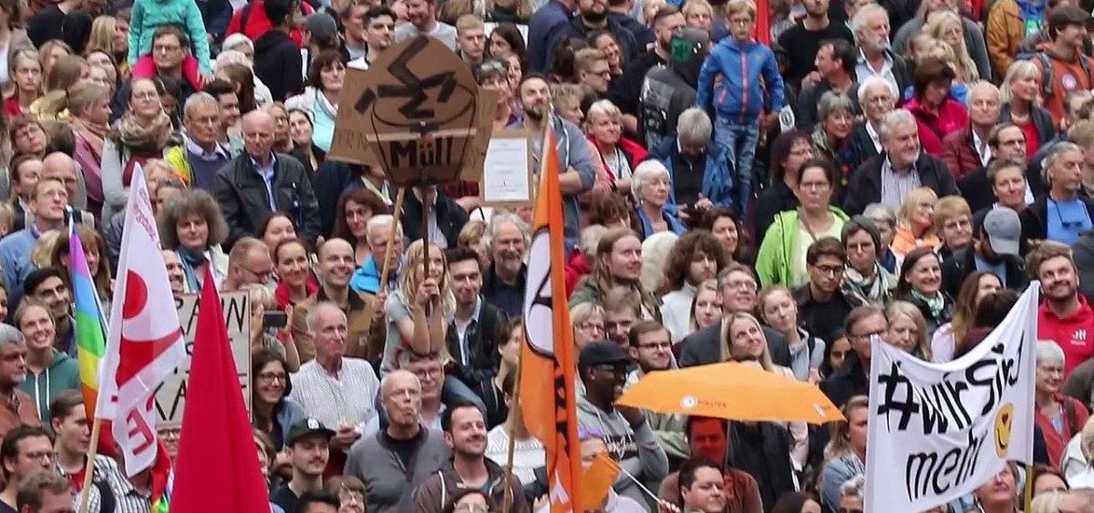 Marburg: 1.500 Demonstranten gegen die AfD