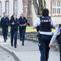 Staatsstreichorchester kündigt Anschläge an