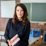 Iris Berben liest Protokolle antisemitischer Vorfälle vor. / Foto: ZDF und Katharina Meirich