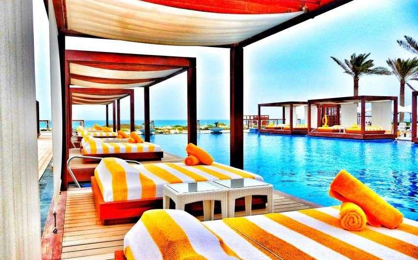 Traumstrände und Strandclubs in Abu Dhabi