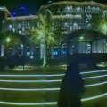 Panorama des Hotels im Dunkeln