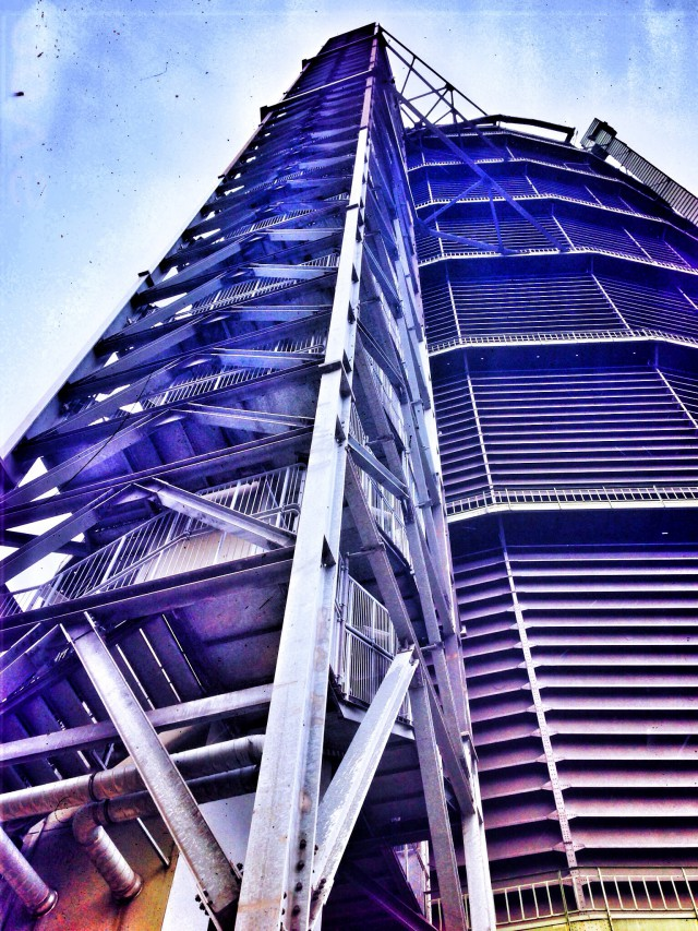 Die höchste Ausstellungshalle der Welt - der Gasometer