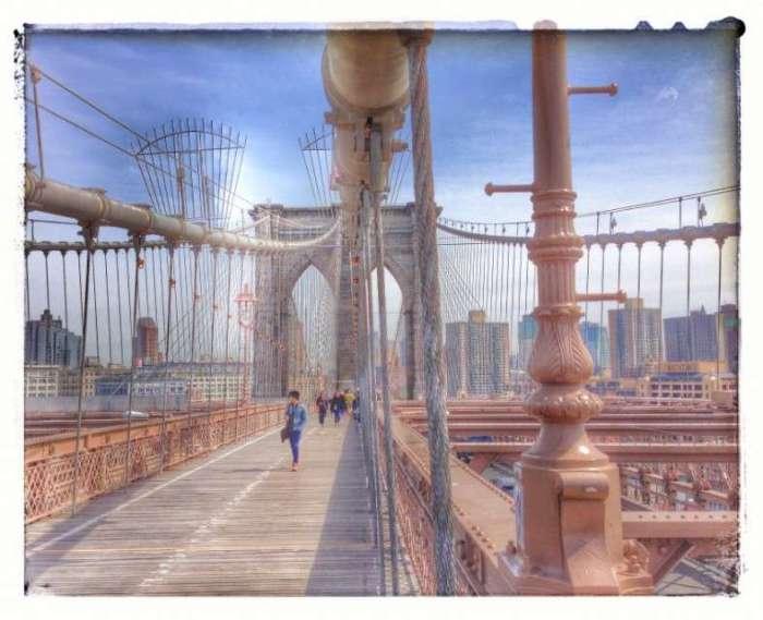 Zu Fuß über die Brooklyn Bridge