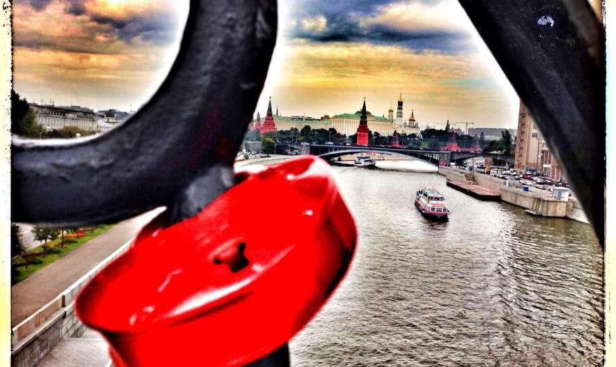 Liebesbrücken rund um die Welt
