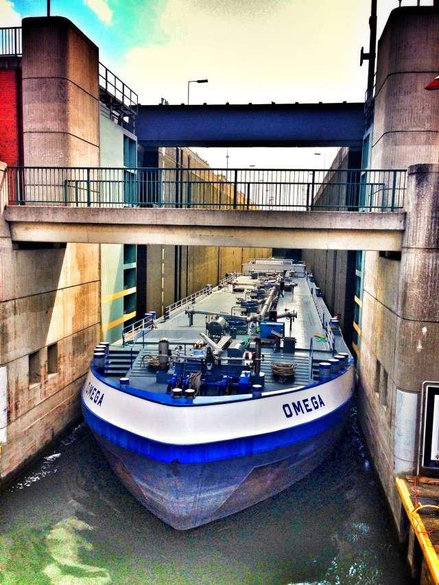 Schiff im Schiffshebewerk Henrichenburg