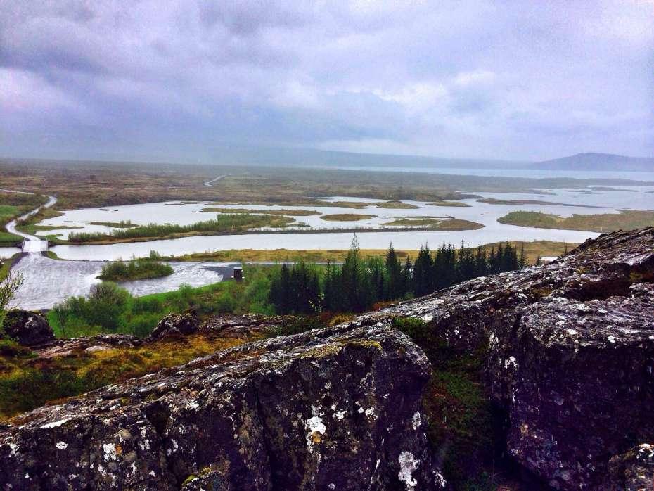 Blick von oben auf die Seenplatte im Pingvellir