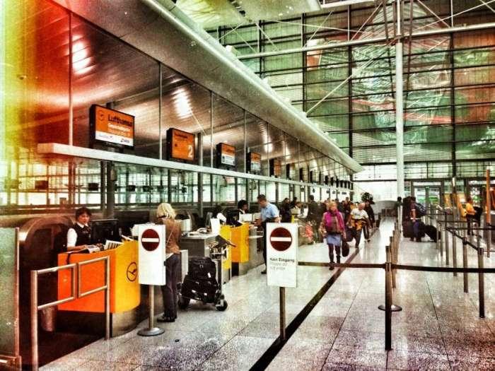 Lufthansa-Counter im Terminal 1