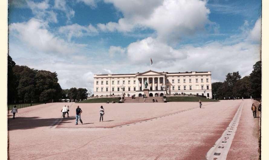 Das königliche Schloss in Oslo und die norwegische Monarchie