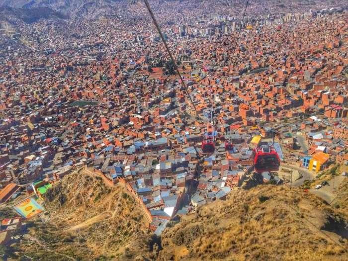 """Blick von der """"Bergstation"""" der neuen Seilbahn auf La Paz"""