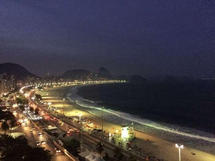 Die Copacabana bei Nacht