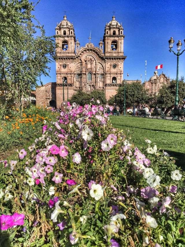 In dieser Kirche in Cusco hängt das Bild, auf dem Jesus ein Meerschweinchen verspeist