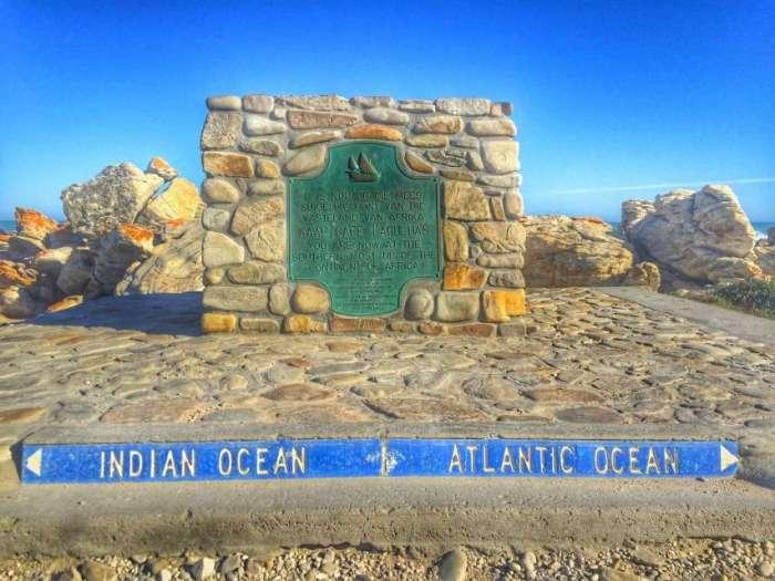 Gedenkstein am südlichsten Punkt Afrikas