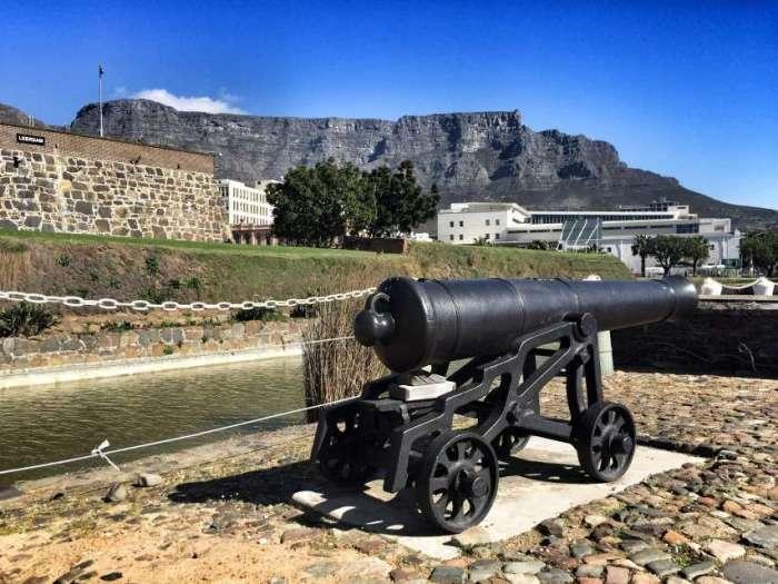 "Blick vom ""Castle of Good Hope"" in Kapstadt auf den Tafelberg"