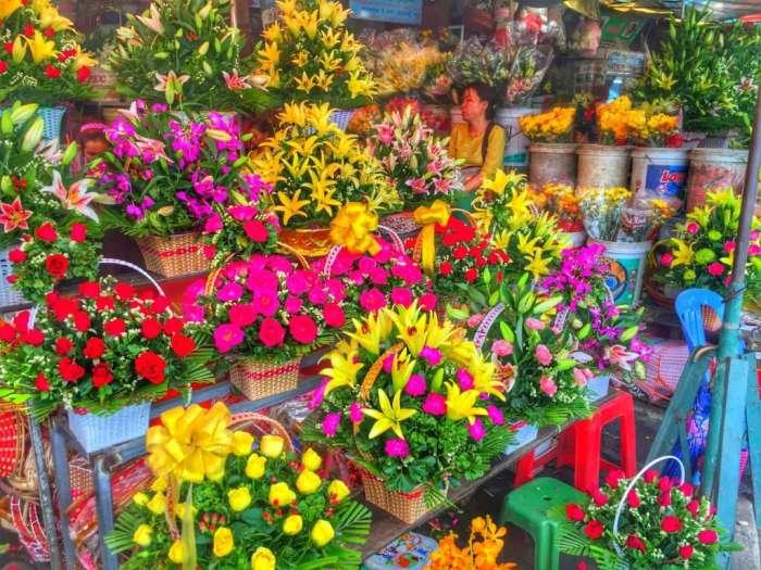Zum Markt gehört auch ein Blumenmarkt