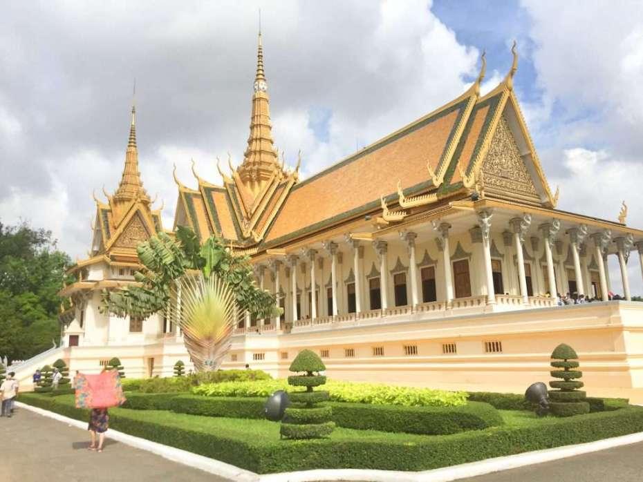 So leer ist es am Königspalast in Phnom Penh nur zur Regenzeit