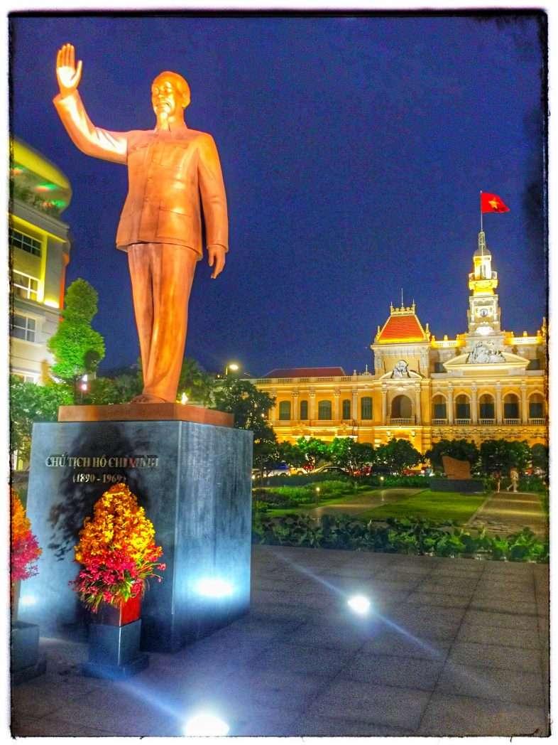 Der frühere sozialistische Führer Ho Chi Minh wird verehrt, gleichzeitig hat sich Vietnam aber von seinem planwirtschaftlichen Konzept abgewandt