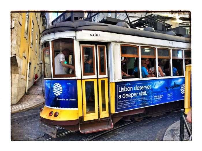 Historische Straßenbahn in Lissabon
