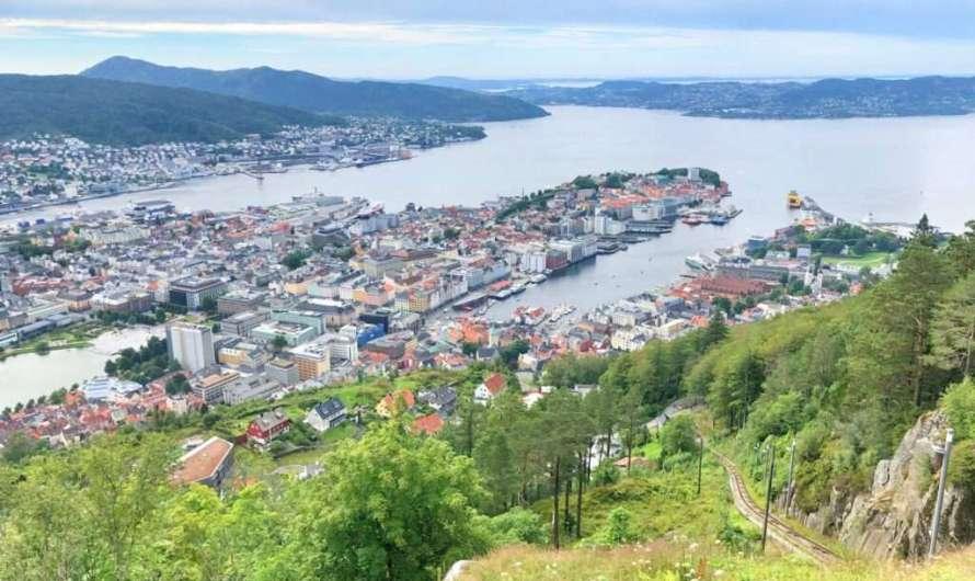 Mit der Seilbahn auf den Fløyen in Bergen