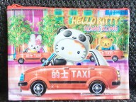 sanrio-hellow-kitty-hk-city-taxi-driver-in-panda-costume-1